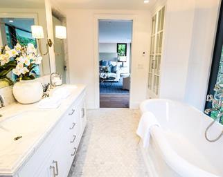 Emily Blunt and John Krasinski's bathroom