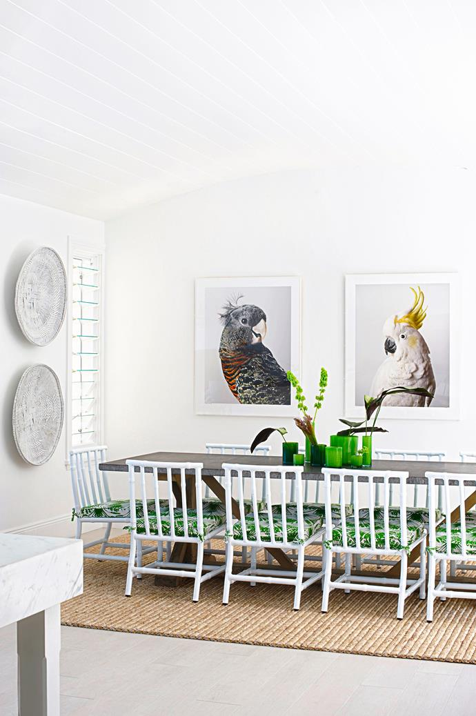 "Light and airy, this formal dining room nails the luxury beachside home vibe. Take a tour of the [gorgeous coastal home](http://www.homestolove.com.au/a-luxury-coastal-home-on-sydneys-northern-beaches-1808|target=""_blank""). *Photo: Nicholas Watt*"