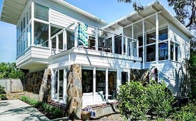 Blogger overhauls a quintessential Aussie beach house