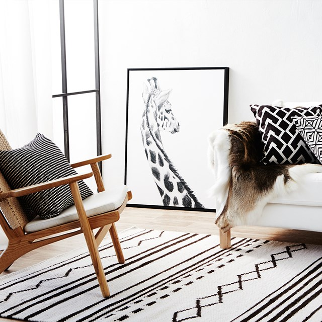 "The right choice of pattern can tie the whole room together. For more advice on choosing the right rug for your home, see [stylist Jessica Bellef's top five tips](http://www.homestolove.com.au/take-5-stylist-jessica-bellef-on-how-to-choose-the-right-rug-for-your-home-2995|target=""_blank""). Photo: Denise Braki 