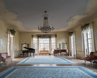Take a peek inside this New York mansion abandoned for 40 years