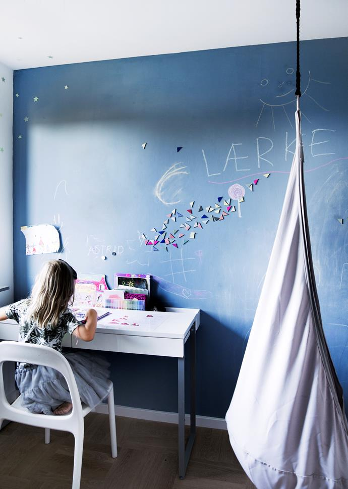 """In Lærke's room, one wall is painted with [Annie Sloan](http://www.anniesloan.com/?utm_campaign=supplier/