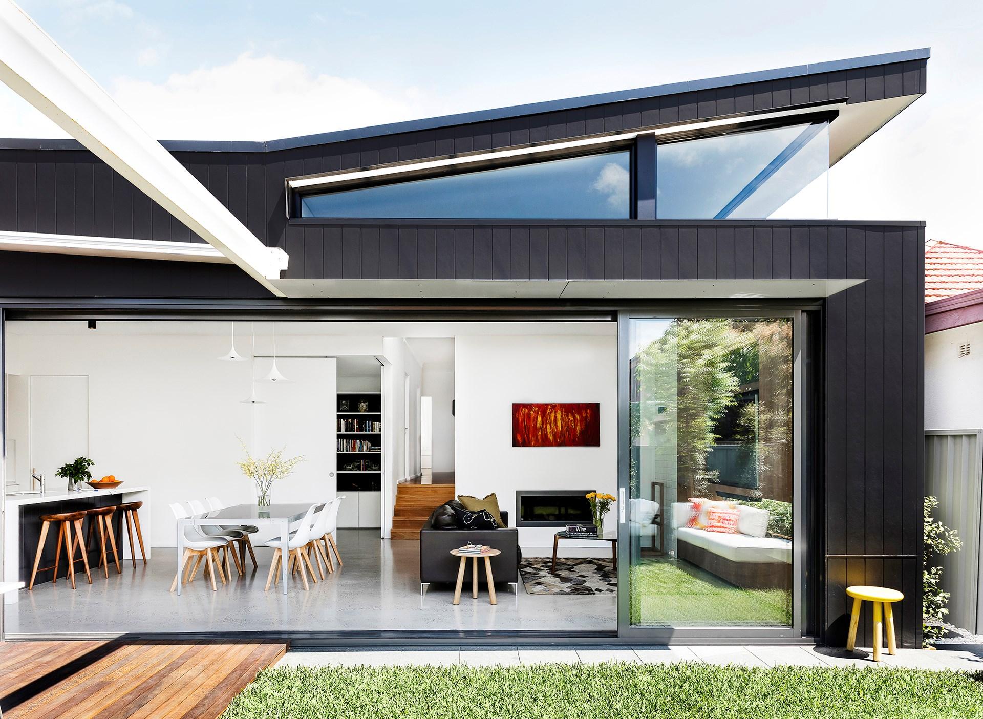 [1940s facade hides a sizzling 21st-century home](http://www.homestolove.com.au/1940s-facade-hides-a-sizzling-21st-century-home-3269). Photo: Maree Homer / *Australian House & Garden*