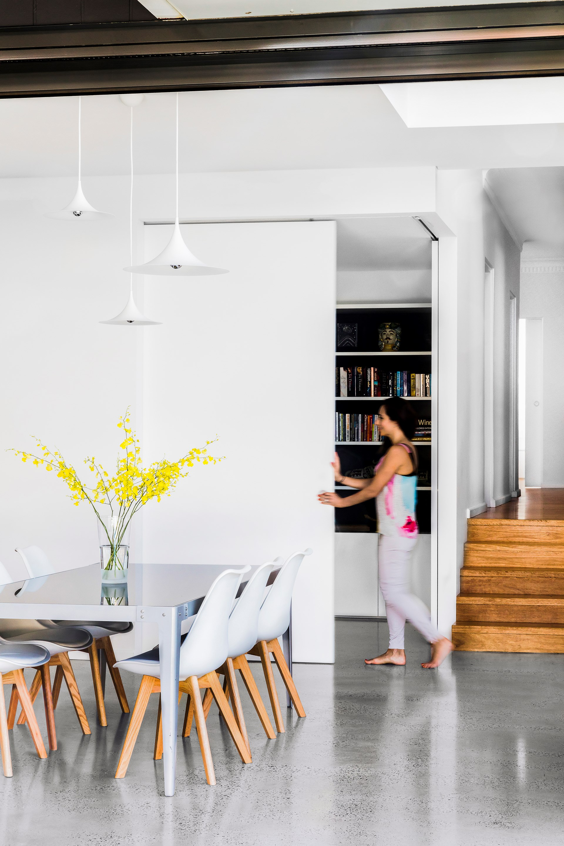 """See more of this [sizzling 21st-century home](http://www.homestolove.com.au/1940s-facade-hides-a-sizzling-21st-century-home-3269