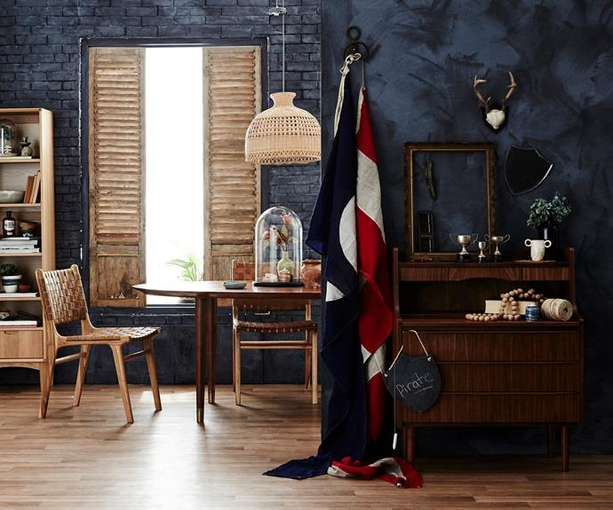 """[Vintage](http://www.homestolove.com.au/queenslander-workers-cottage-with-a-vintage-flavour-3365
