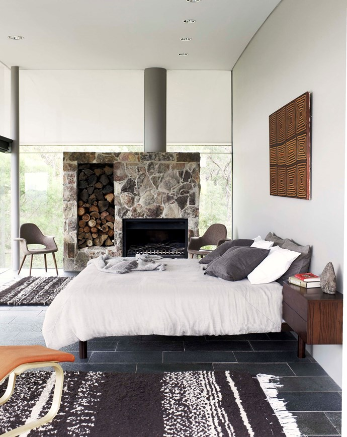 """High above a rugged escarpment sits [Harry Seidler's award winning design](http://www.homestolove.com.au/harry-seidlers-award-winning-modern-marvel-2905