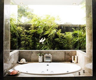 5 reasons to consider installing a spa this winter
