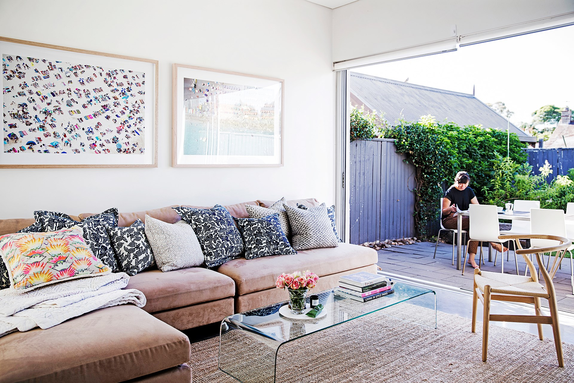 **Vanessa Miles** This Sydney workers cottage received a few contemporary touch-ups while retaining its original charming features. [See the full home here](http://www.homestolove.com.au/renovated-workers-cottage-mixes-old-with-new-3556) or [vote for this home](http://www.homestolove.com.au/homes-reader-home-of-the-year-4499).