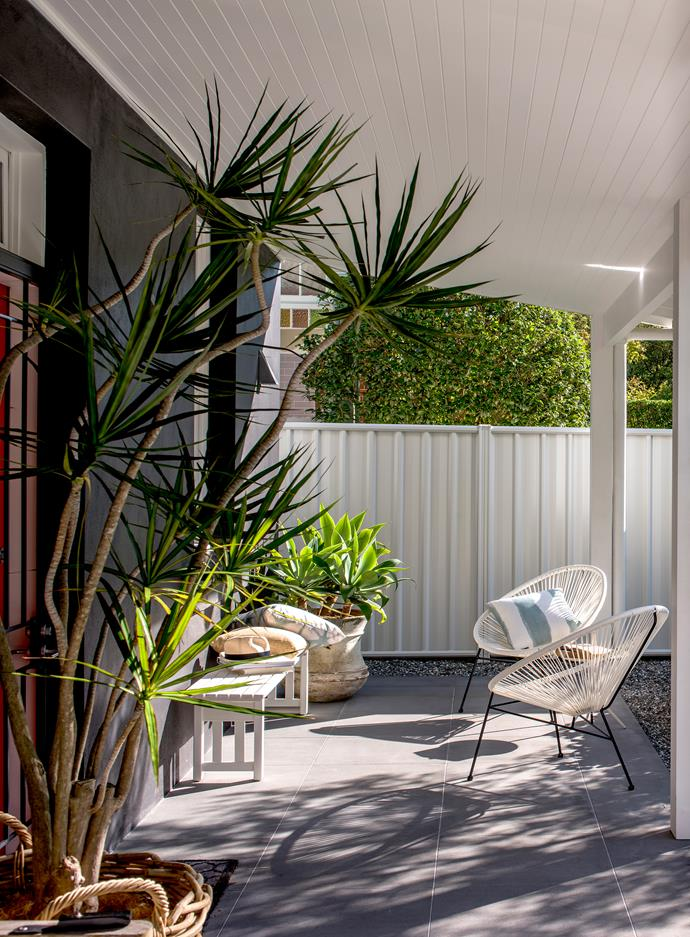 """**2. Create boundaries.** Use fencing or shrubbery to add an element of privacy to your outdoor space. Light colours will create the illusion of more space, taupe and neutral tones co-ordinate well with most houses, and green will seamlessly blend in amongst plants. Whether you're looking to clash or co-ordinate, try [COLORBOND® steel](http://colorbond.com/colour?Category=E8BC3A3AFF384831AFCDFA84702F1EE5 /?utm_campaign=supplier/