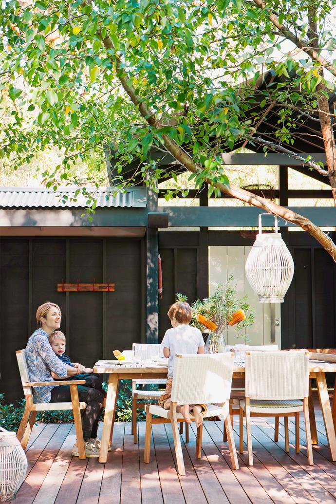"""Shade is the key to creating a liveable outdoor space, whether it is a deciduous tree or a vine supported by a pergola, a sculptural screen canopy, a retractable shade, louvred roof system or simply an umbrella. Shade is what makes a space useable and enjoyable in the heat of summer."" – Nadia Matijevic, [Adelaide Garden Design](http://www.adelaidegardendesign.com.au/?utm_campaign=supplier/