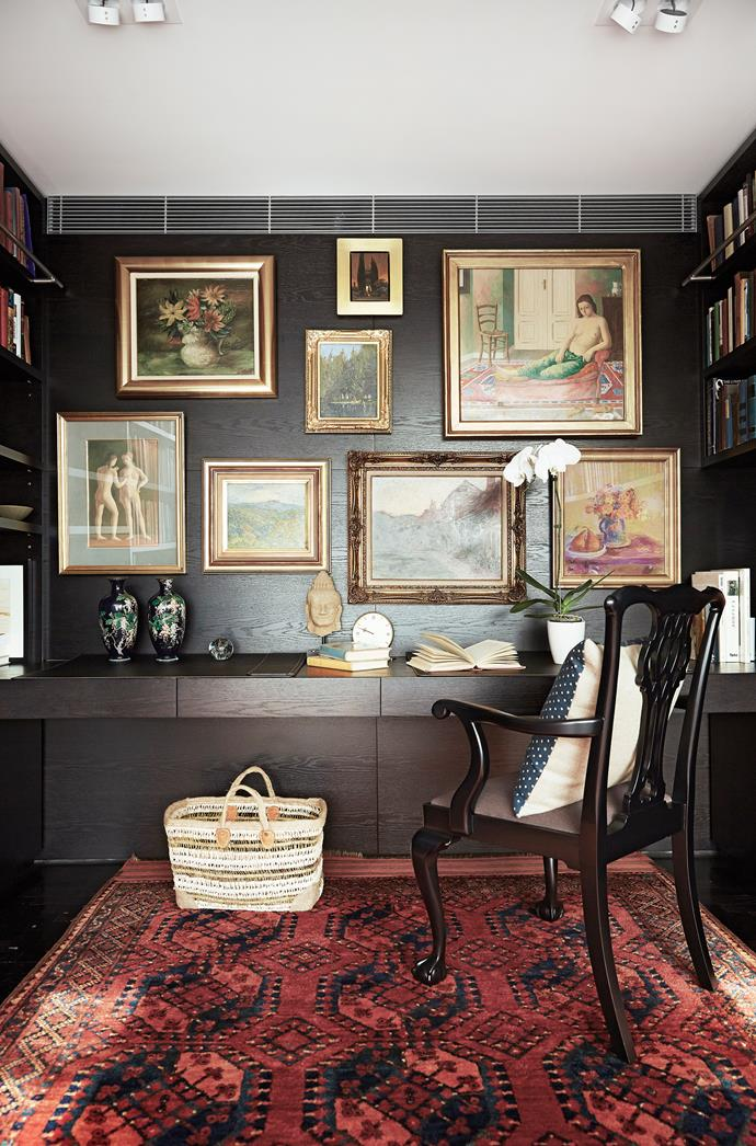 The scheme is essentially black and white, with subtle touches of red and gold.