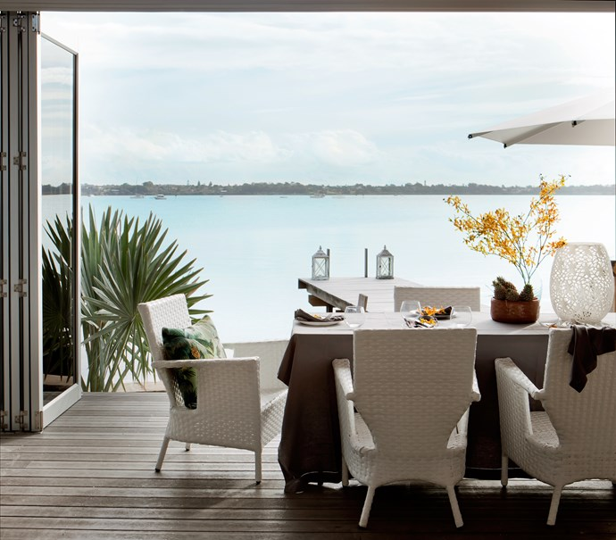 """The enclosed [alfresco area](http://www.homestolove.com.au/from-courtyard-deck-to-versatile-outdoor-room-1548/?utm_campaign=supplier/
