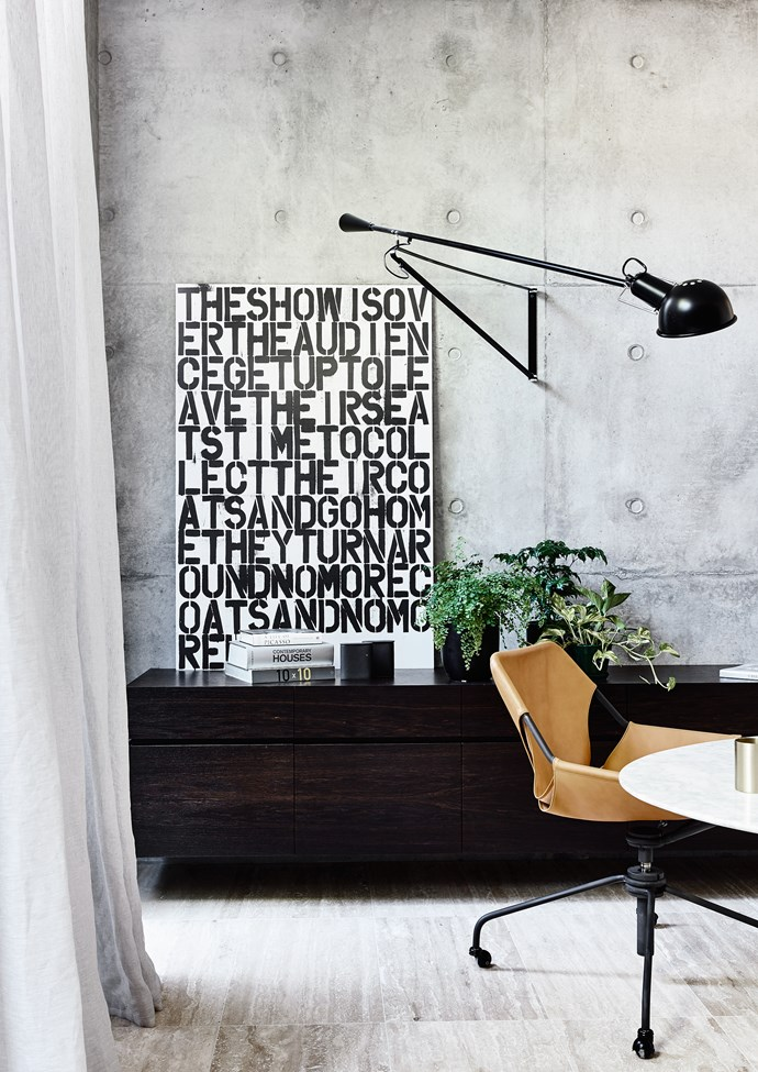 In the study, a typographical artwork by Christopher Wool takes pride of place.