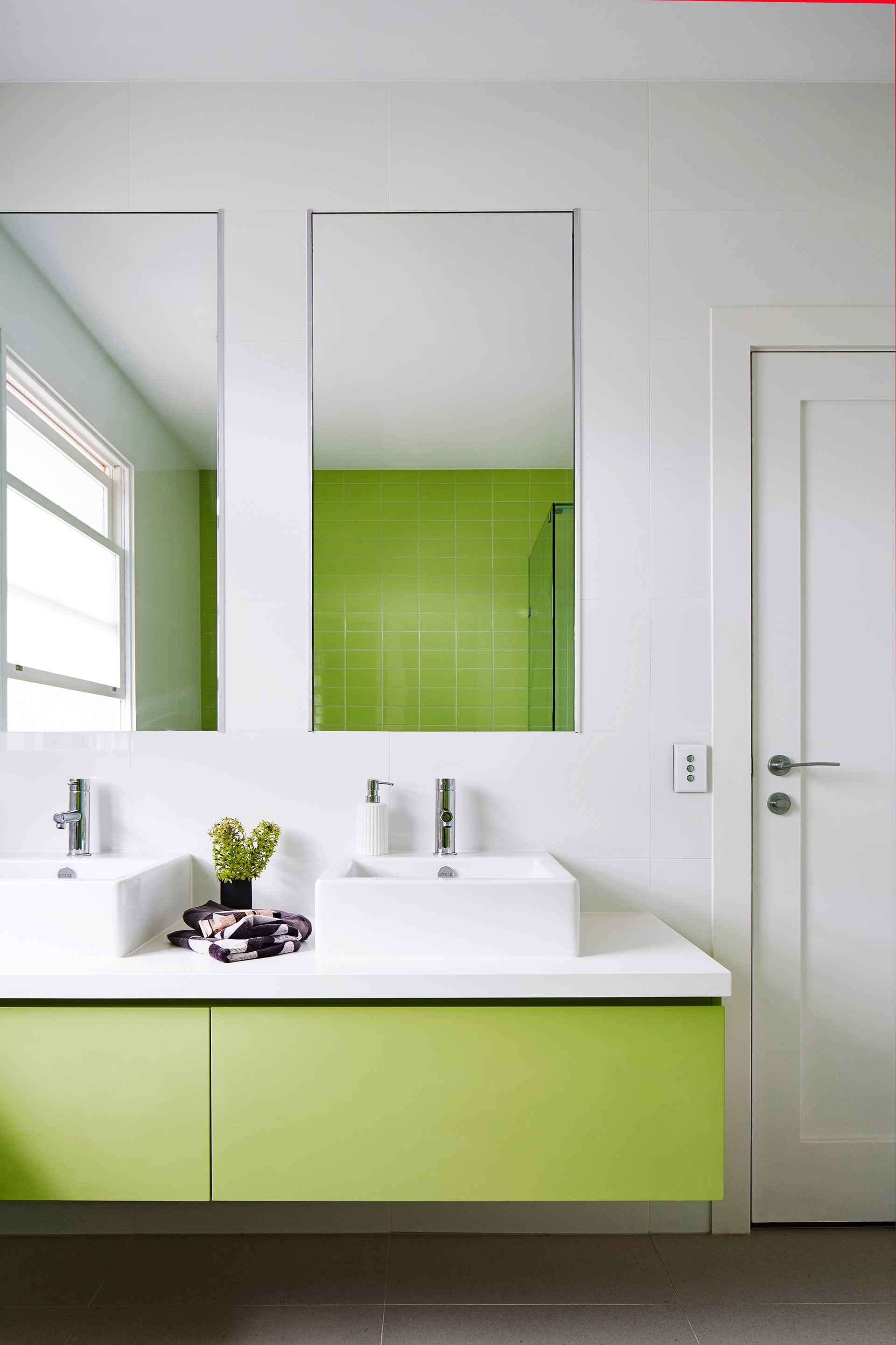 """In this [renovated 1930s home](http://www.homestolove.com.au/melbourne-reno-strikes-the-perfect-balance-3684