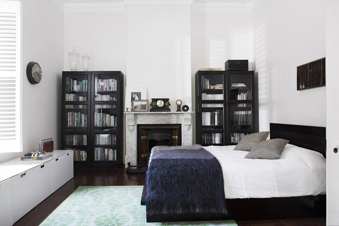 "An antique printer's tray above the bed holds a changeable display of objects in the [guestroom](http://www.homestolove.com.au/7-shortcuts-to-create-the-perfect-guest-bedroom-1729|target=""_blank"")."