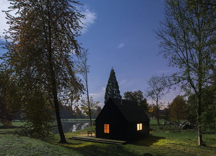 "London architecture studio [De Rosee Sa](http://www.deroseesa.com/ |target=""_blank"") designed and built this bewitching black cabin beside a picturesque lake in Belgium. *Photo: Will Scott*"
