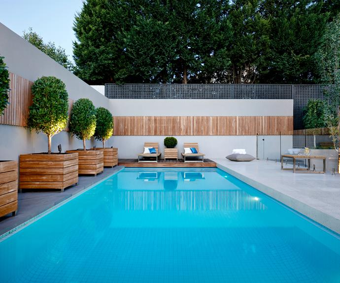Resort style pool designs homes to love for Resort type house design