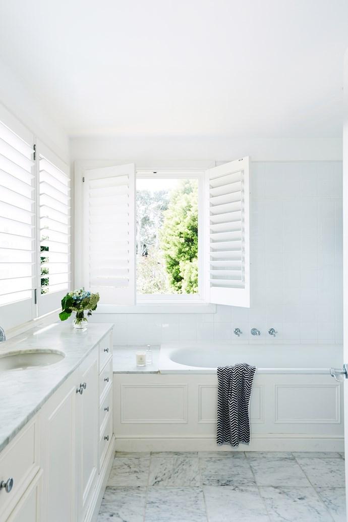 Keep bathroom accessories simple yet stylish. Photo: John Paul Urizar / bauersyndication.com.au