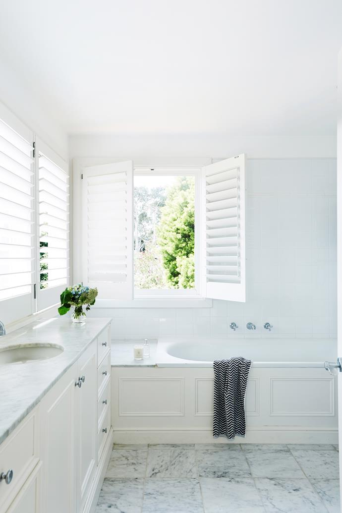 Keep bathroom accessories simple yet stylish. Photo: John Paul Urizar / bauersyndication.com.au