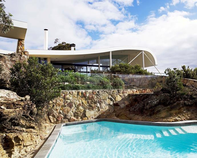 "In [Harry Seidler's award winning modern marvel](http://www.homestolove.com.au/harry-seidlers-award-winning-modern-marvel-2905|target=""_blank""), the swimming pool is a grand affair. Shaped by two rugged rock cliffs, the pool has a frameless glass baulstrade slotted into the rock face."