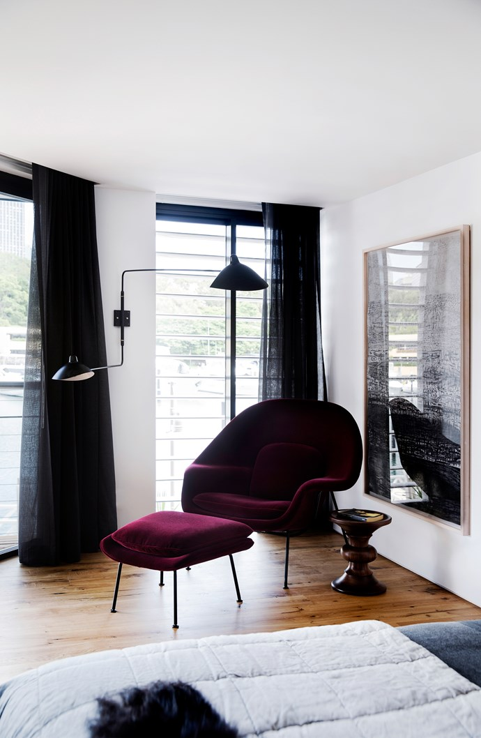 """A Knoll 'Womb' chair and ottoman from [De De Ce](http://www.dedece.com/