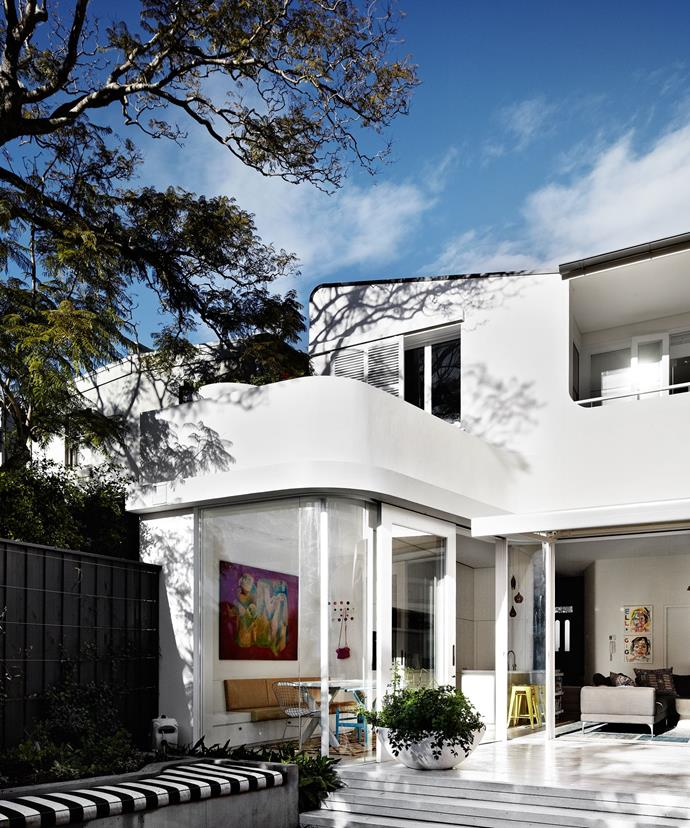"This [1890s Paddington terrace transformation](http://www.homestolove.com.au/a-terrace-transformed-3501|target=""_blank"") has a flamboyant facade, courtesy of the curvaceous and chic rear exterior. *Photo: Sharyn Cairns*"