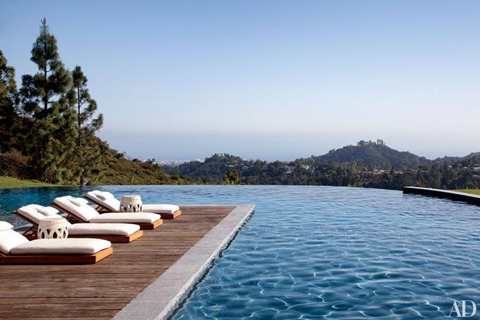 """Home to Gisele Bündchen and Tom Brady, this LA home is definitely model material. Complete with a gym, a [luxurious bathroom](http://www.homestolove.com.au/10-chic-celebrity-bathrooms-4197