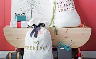 How to create a DIY personalised Santa sack