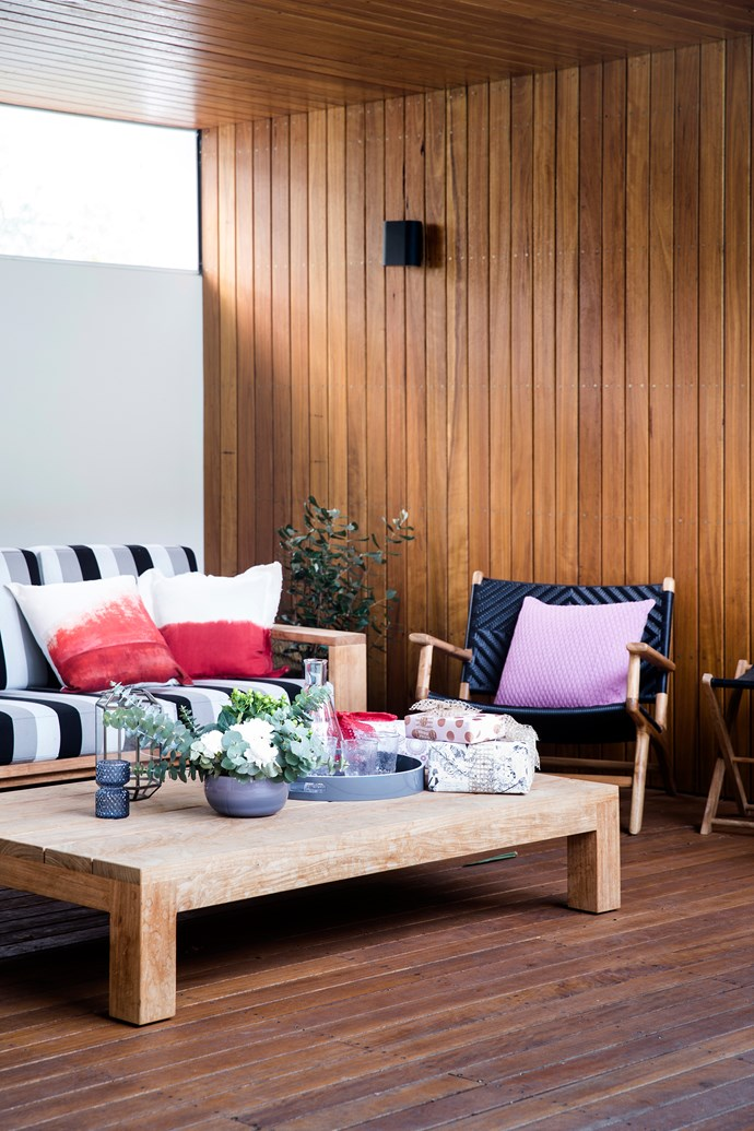"""Low-slung water-resistant furniture is key by the pool. Sofa and coffee table, [Robert Plumb](http://robertplumb.com.au/ target=""""_blank"""" rel=""""nofollow""""). Chair, [Barnaby Lane](http://barnabylane.com.au/ target=""""_blank"""" rel=""""nofollow"""")."""