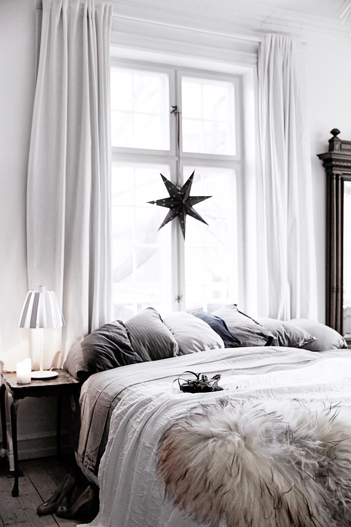"""Decorating your home for Christmas doesn't have to be expensive or elaborate, just look at the touches this creative couple added to their [Copenhagen apartment](http://www.homestolove.com.au/a-copenhagen-apartment-decorated-for-christmas-4470