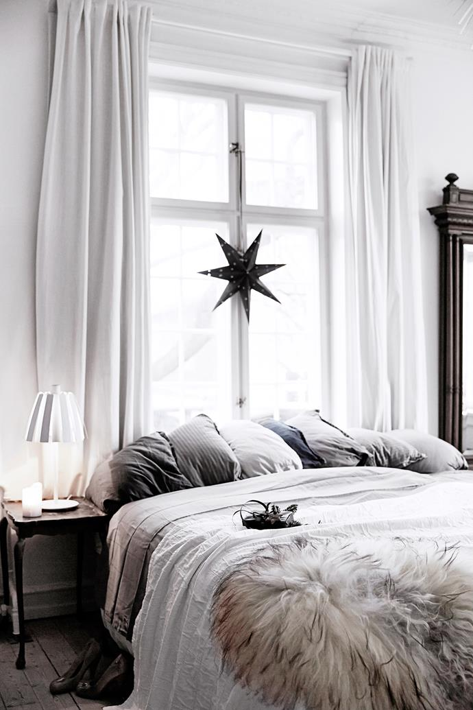 "Decorating your home for Christmas doesn't have to be expensive or elaborate, just look at the touches this creative couple added to their [Copenhagen apartment](http://www.homestolove.com.au/a-copenhagen-apartment-decorated-for-christmas-4470|target=""_blank"") for a sweet, celebratory vibe."