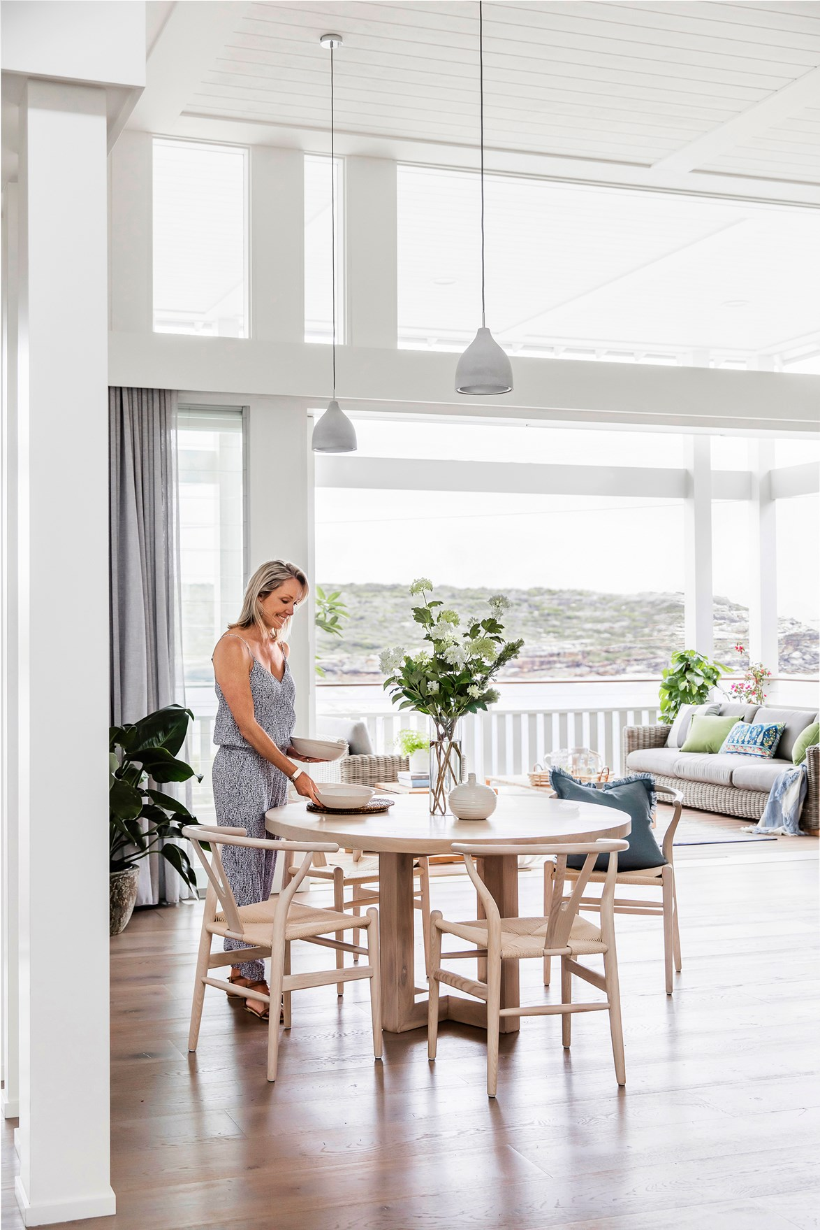 "After knocking down their 1950s cottage, the owners of this **seaside Sydney home** started afresh, building this magnificent Hamptons-style abode with the same picturesque views. [Take a tour >](http://www.homestolove.com.au/coastal-style-an-airy-new-build-in-sydney-4577|target=""_blank"")"