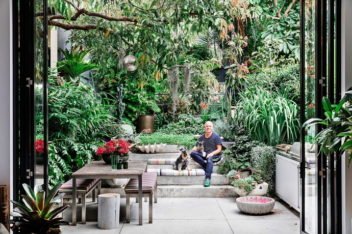 Richard Unsworth of [Garden Life](http://gardenlife.com.au/) worked out a planting scheme based on succulents, subtropical plants and interesting foliage – a foil for all of the flowers inside the house.