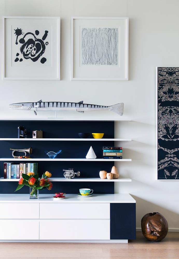 Lisa installed built-in shelves and credenzas that keep the living spaces smart and clean.