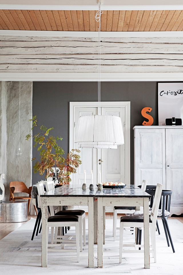 "Wanting to bring her children up in a quiet country setting, calligrapher Ylva Skarp took on the [transformation of an old schoolhouse](https://www.homestolove.com.au/scandi-style-schoolhouse-conversion-4821|target=""_blank"") with lofty ceilings and large rooms. ""Even though it has been many years since we renovated the house, we are still happy with the choices we made,"" Ylva says. *Photo: Helena Blom / Living Inside / Story: Real Living*"