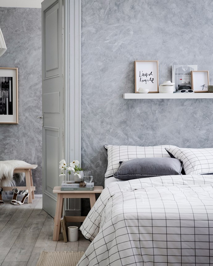 Faux texture makes wallpaper feel luxe. *Photo: Chris Warnes / bauersydnciation.com.au*