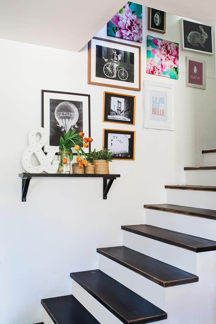 Little vignettes are so pretty – and in this case lead the eye to the staircase gallery.