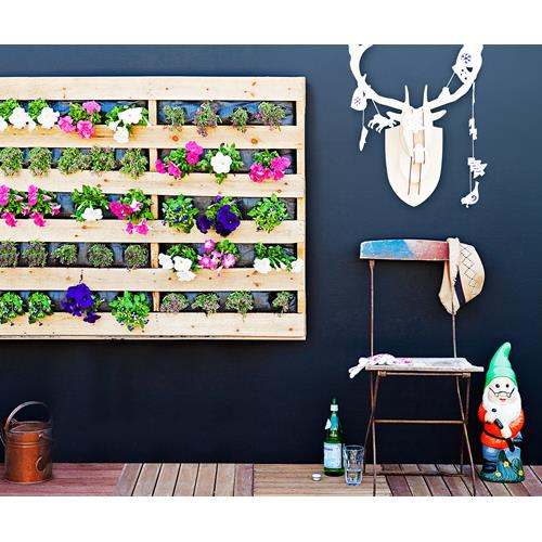 How To Make Your Own DIY Vertical Pallet Garden