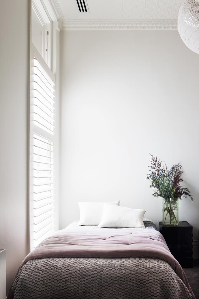 A guest bedroom.