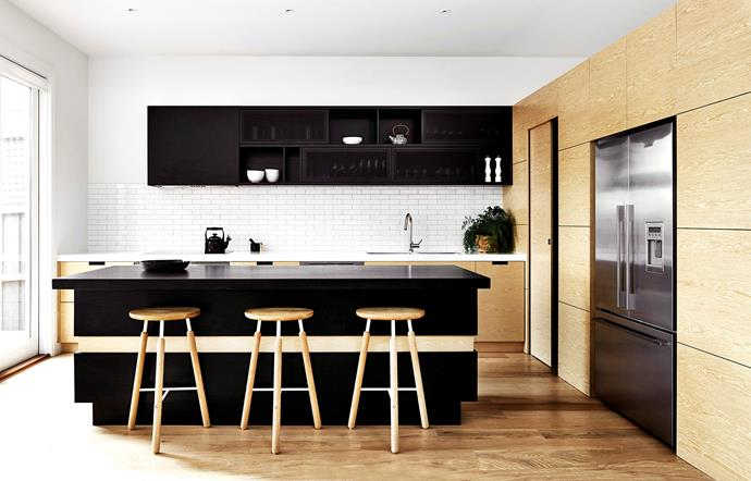 """Find out how professional chefs set up their own kitchens for [easy entertaining](http://www.homestolove.com.au/how-to-design-a-kitchen-for-easy-entertaining-5022