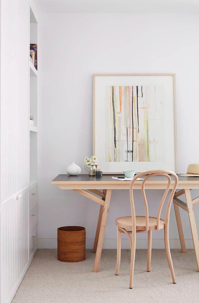 Less is more in this minimalist home office.