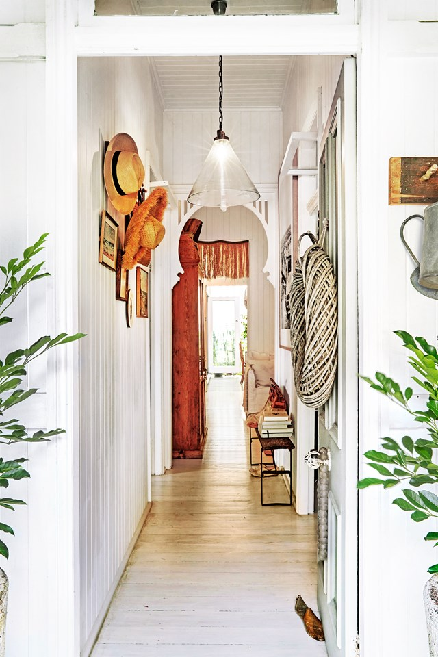 "It's hard not to be enchanted by [Kara Rosenlund's Brisbane workers' cottage](https://www.homestolove.com.au/kara-rosenlunds-enchanting-brisbane-workers-cottage-5590|target=""_blank""), full to the brim with treasured mementos and antiques sourced from around the globe. *Photo: Steven Chee* 