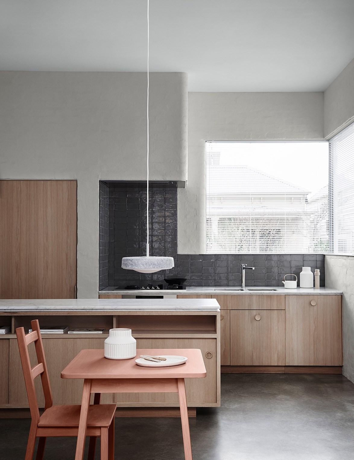 Dulux Colour Trends 2018 – Wall: Dulux Dieskau | Table & Chairs: Dulux Clay Court | Ceiling: Dulux Terrace White. Photo: Lisa Cohen | Styling: Bree Leech