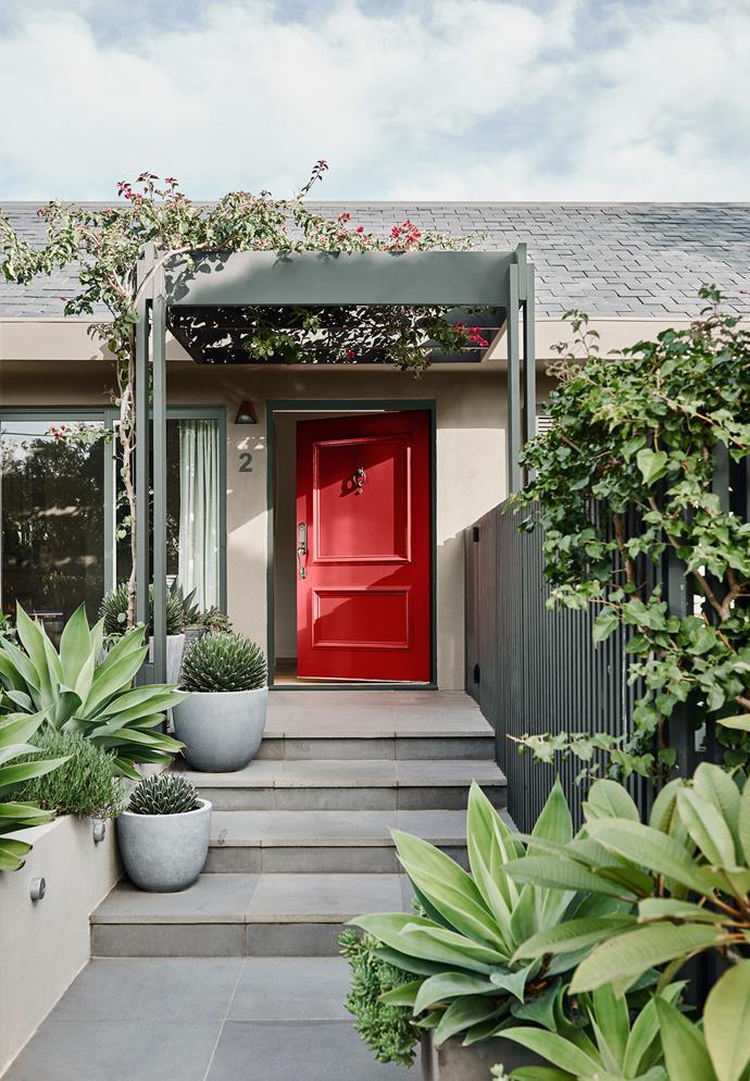 Door – Dulux Outrageous Red | Walls – Dulux Time Capsule | Trim - Dulux Hildegard. *Dulux Colour Trends 2018 – Kinship Palette. Styled by Bree Leech. Photographer: Lisa Cohen*