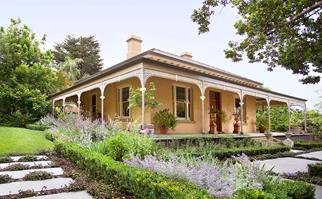 heritage style front garden
