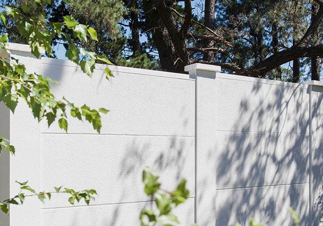 CSR Hebel offer non-combustible fencing without compromising on style – ideal for homes in rural or fire-prone areas.