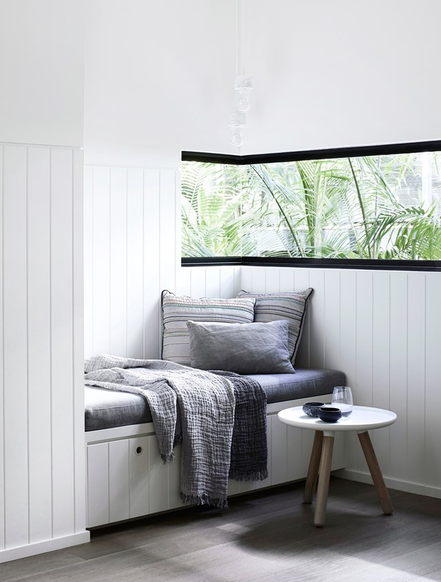 """Opposite the study corner in the living room of this [holiday home in Noosa](https://www.homestolove.com.au/a-luxury-noosa-holiday-home-by-mim-design-6146