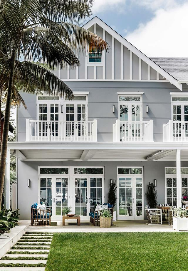 """This luxurious [Hamptons style home](https://www.homestolove.com.au/a-luxurious-hamptons-style-home-in-sydneys-eastern-suburbs-6074