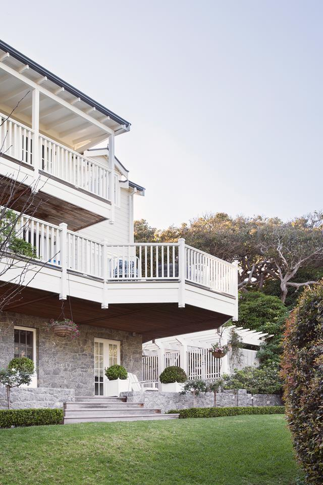 """For three generations, this idyllic seaside holiday house, four hours south of Perth, has been the Moffat family's beach retreat. With half a century's worth of family history attached, the new [Hamptons-inspired design](https://www.homestolove.com.au/a-hamptons-inspired-holiday-home-south-of-perth-5122