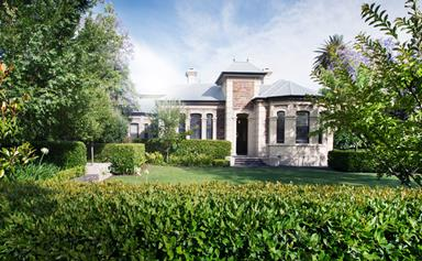 Manicured hedging gave this Australian front garden a renewed sense of privacy
